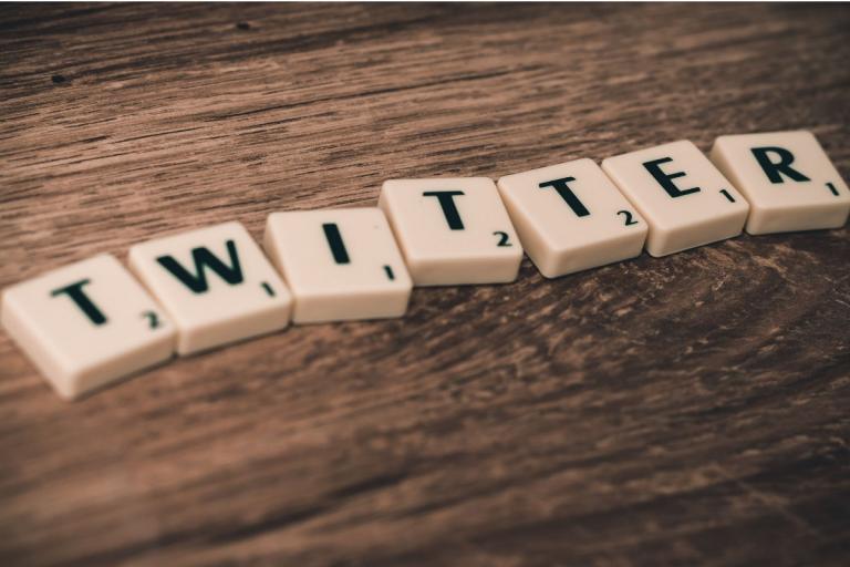 Buchstaben Twitter